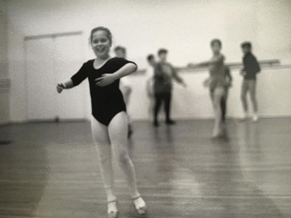 kid-ballerina-smiling