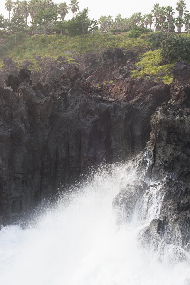 Jusangjeolli Cliff crashing waves
