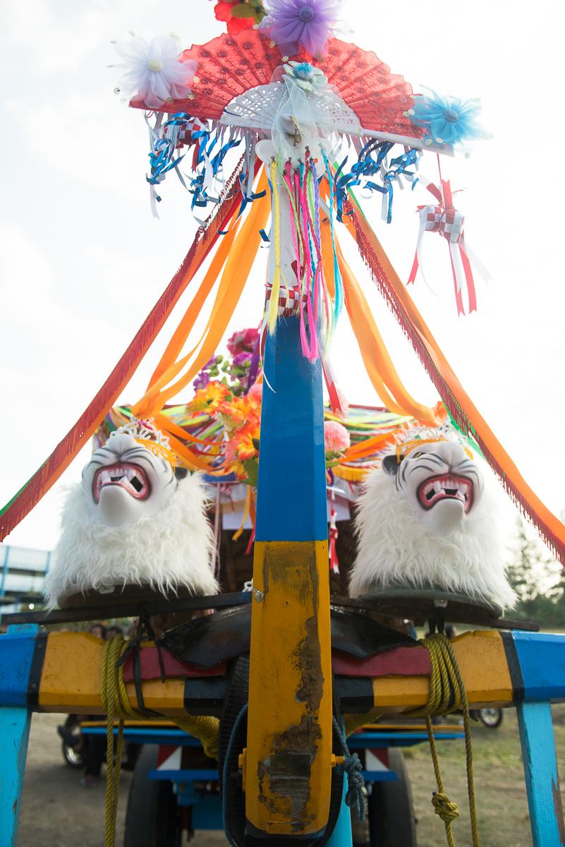intricate decoration on cart in Yogya