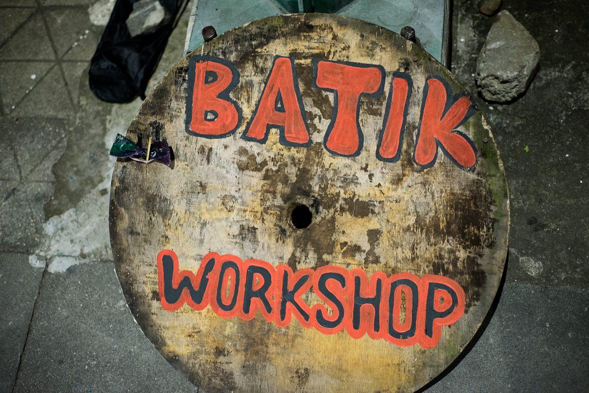 batik workshop sign